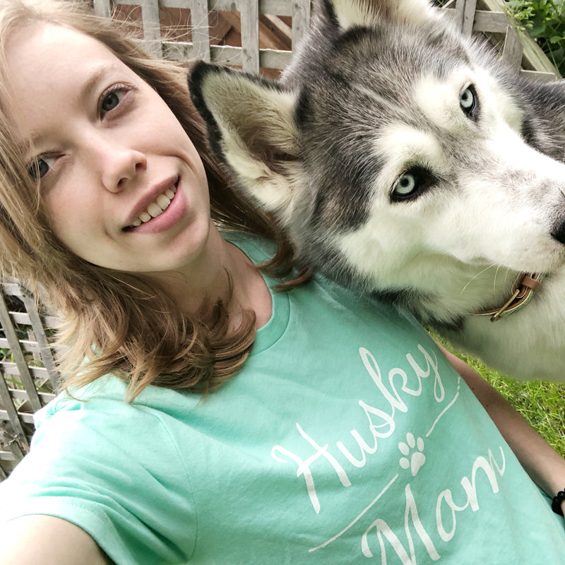 husky mom short sleeve