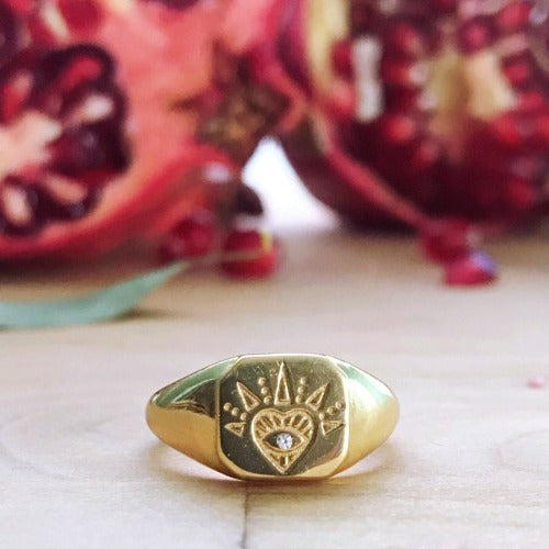 Lovestruck Signet Ring Cristalore