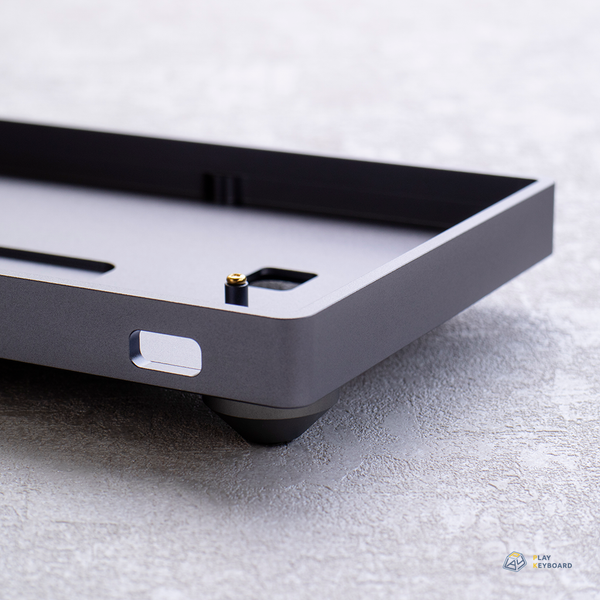 Low Profile Aluminum Case (with a battery compartment) - 60% Keyboard Case