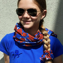 Charger l'image dans la galerie, Emma's scrunchie poppy accessory The Extra Smile