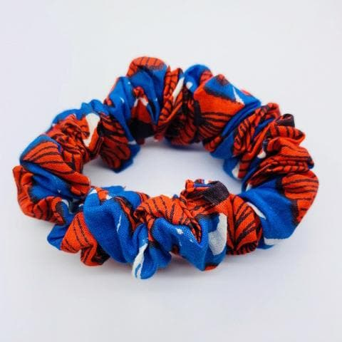 Emma's scrunchie poppy accessory The Extra Smile poppy print