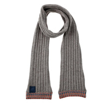 Afbeelding in Gallery-weergave laden, Pre-Order Elisabeth's scarf The Extra Smile