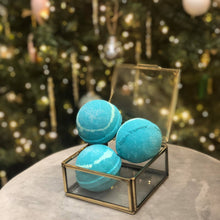 Load image into Gallery viewer, Long Winter's Bath Mistletoe bath bomb