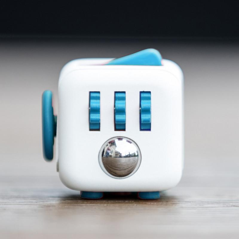 The ultimate stress relieving cube - Shopelo.com
