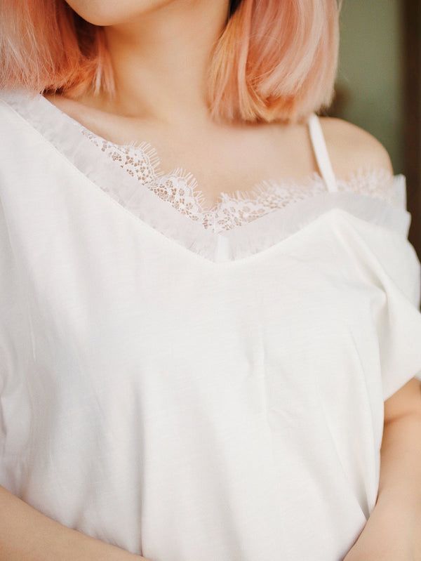 White Open Shoulder Contrast Lace Texture Tee