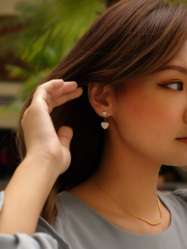 Hearts Drop Earrings In Gold Tone
