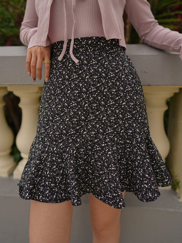 Tiered Floral Mini Skirt In Black(Pre-order)