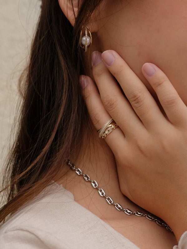 Cross Crystal Chain Ring In Gold