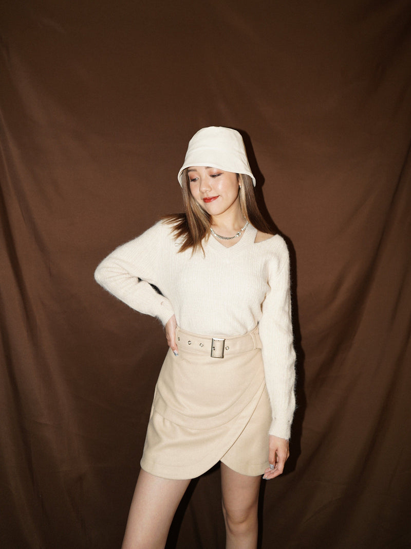 Cropped Cut-out Knit Sweater In Cream (Pre-order)