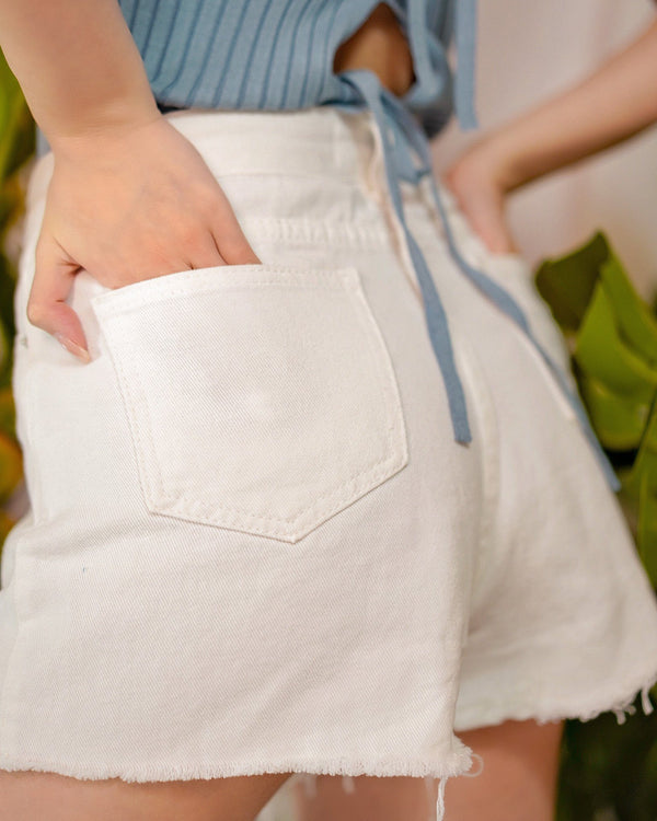asuni,design High Waist Denim Shorts in White