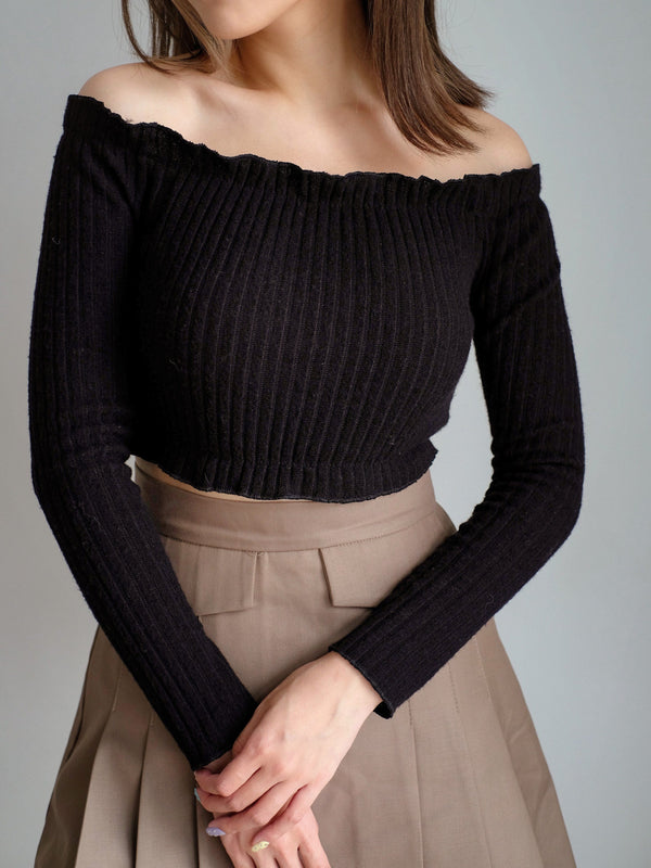 Off Shoulder Cropped Knit Top In Black