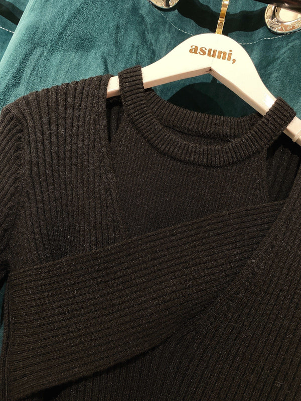 Set of High Neck Vest and Cross Neck Knitwear