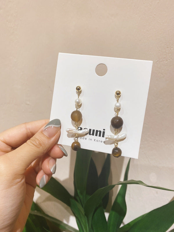 Amber Crystal x Pearl Earrings In Gold