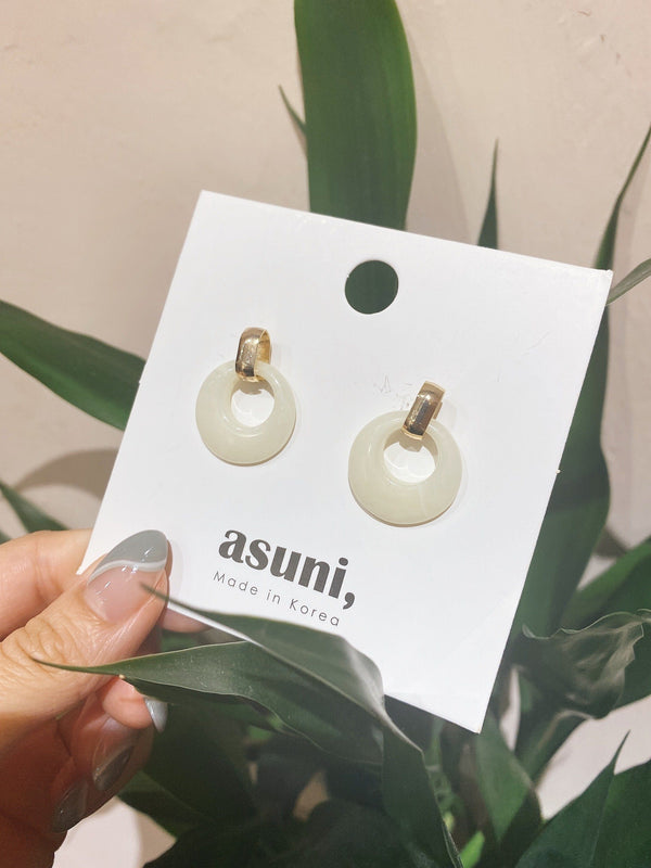 White Amber Earrings In Gold