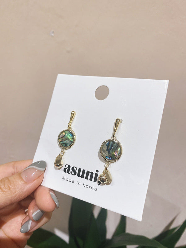 Illusion Crystal Earrings In Gold