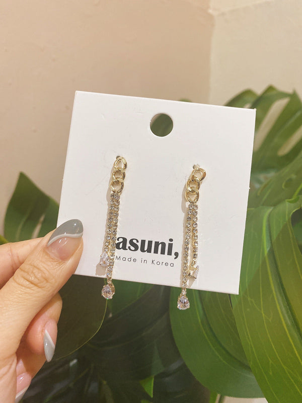Gold Chain x Diamante Earrings