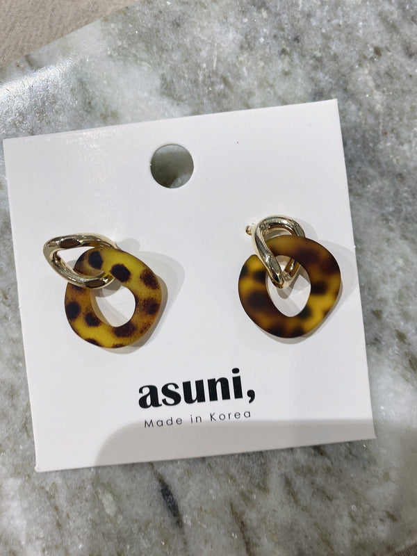 Vintage Stud Earrings In Amber
