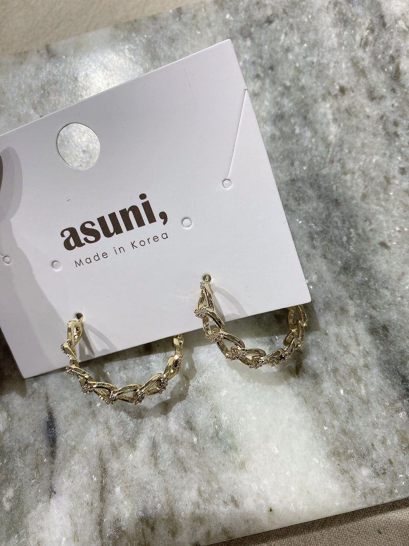 Chain Hoop Earrings In Gold Tone
