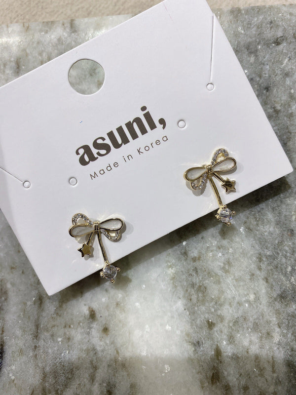 Ribbon with Charms Earrings In Gold Tone
