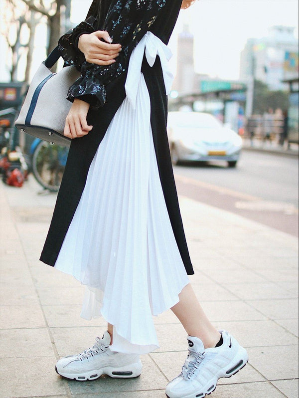 Black x White Self Tie Pleated Dress