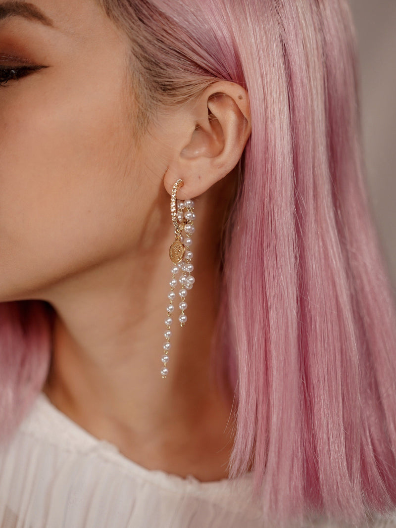 Sassy Gold Pearl Earring