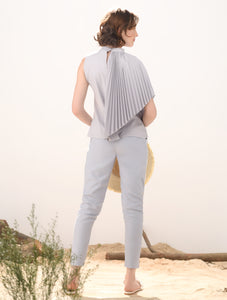 Lasso Sleeveless Top