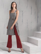 Load image into Gallery viewer, Porch Sleeveless Dress w/ Belt