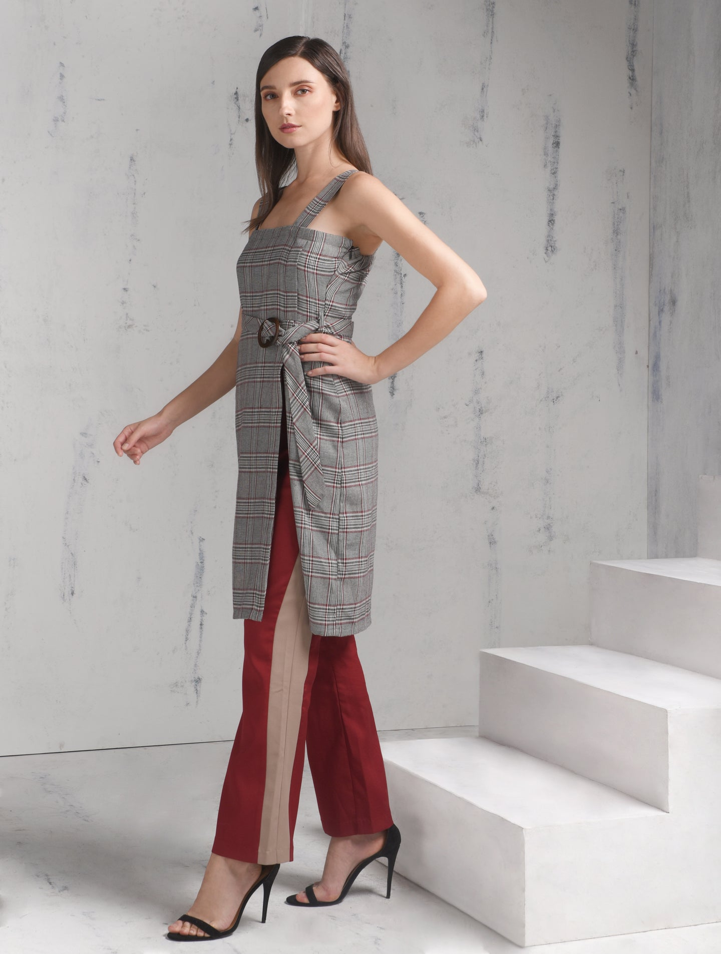 Porch Sleeveless Dress w/ Belt