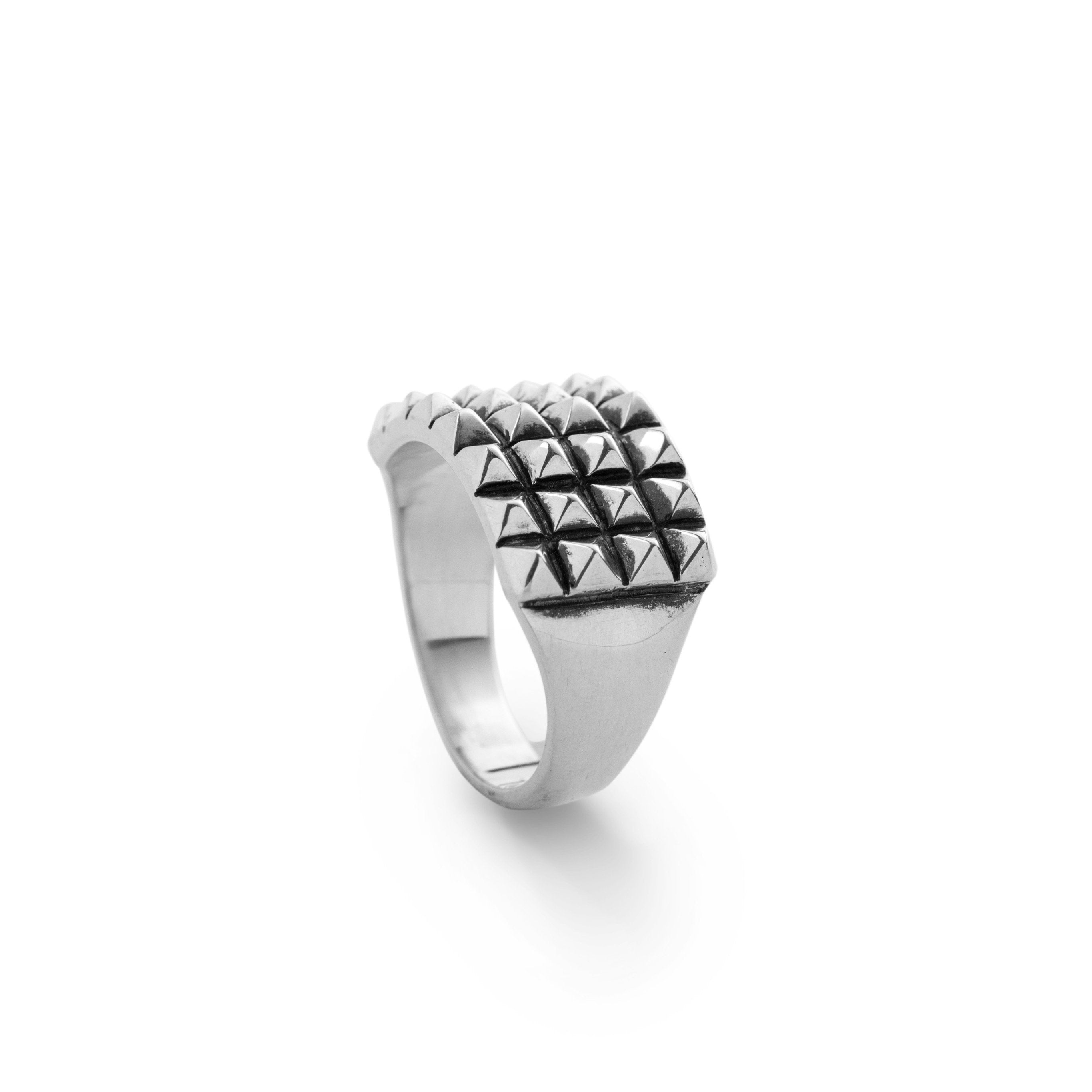 The Studs Ring