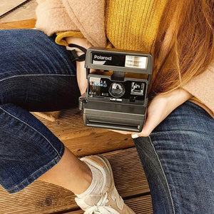 Polaroid 636 Close Up Instant Film Camera
