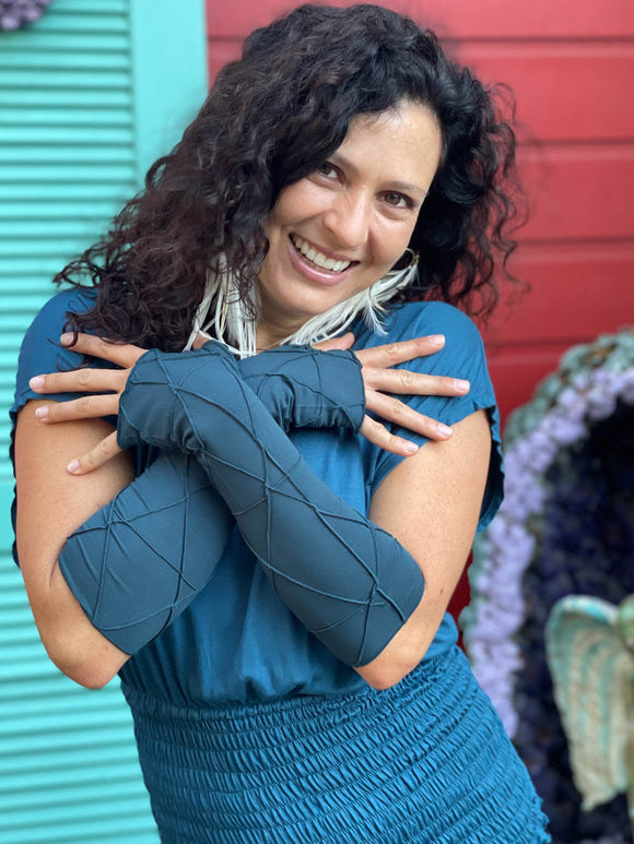 caraucci women's plant based rayon jersey stretchy teal blue textured fingerless gloves #color_teal