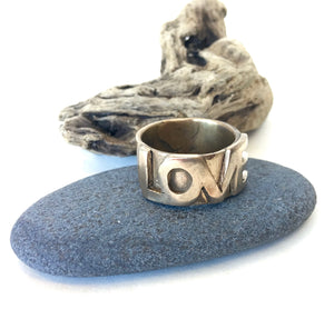 metals :: LOVE ring