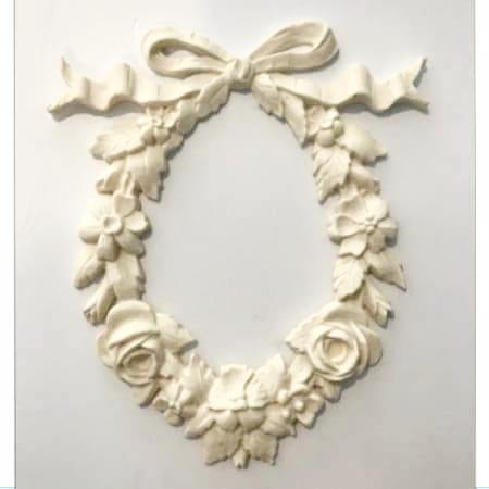 Oval Floral Wreath with Roses and Bow silicone mold