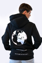 Laden Sie das Bild in den Galerie-Viewer, Worldwide Hoodie Unisex Black