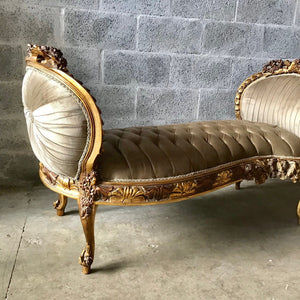 French Marquis Antique Furniture Marquise Grey Silver Velvet French Tufted Refinish Gold Leaf New Padding tufted Interior Design