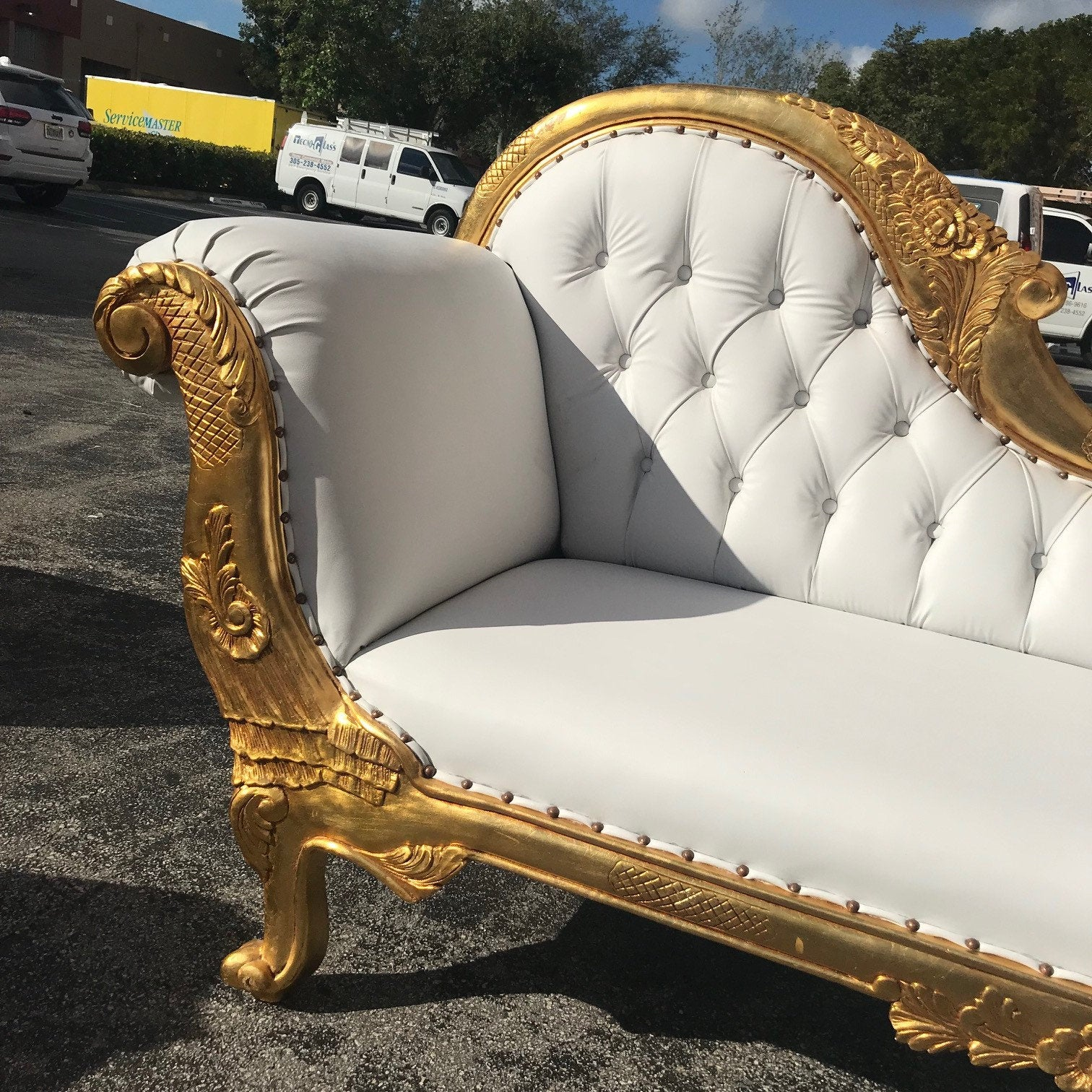 Awe Inspiring French Chaise Lounge French Furniture Gold With Tufted White Home Interior And Landscaping Dextoversignezvosmurscom