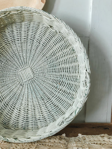 Vintage Chippy White Wicker Tray