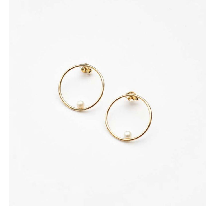 Billabong Circle Earrings Pearl in Gold