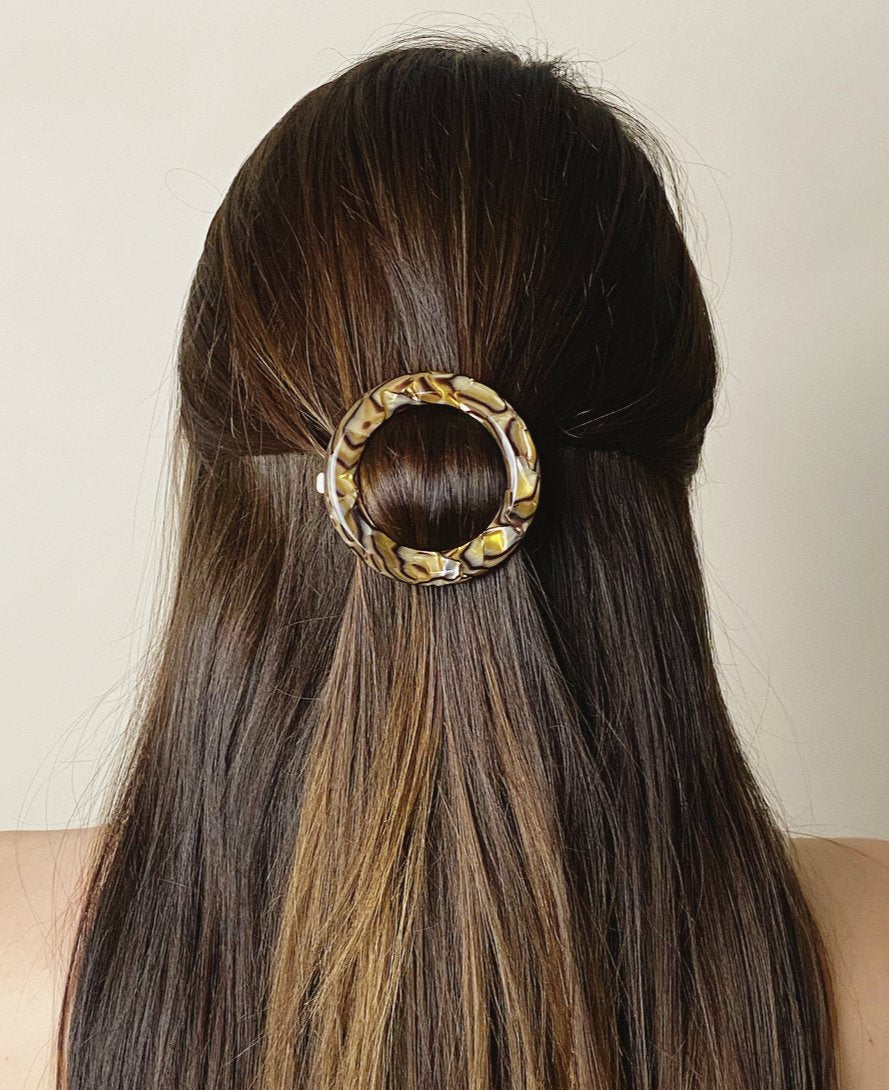 No. 2 Heirloom Clip in Oyster