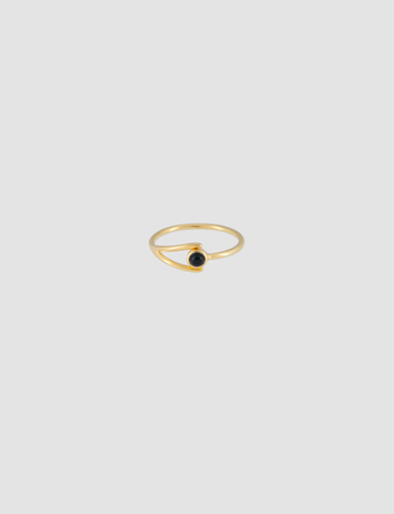 Black Onyx Ring in Gold