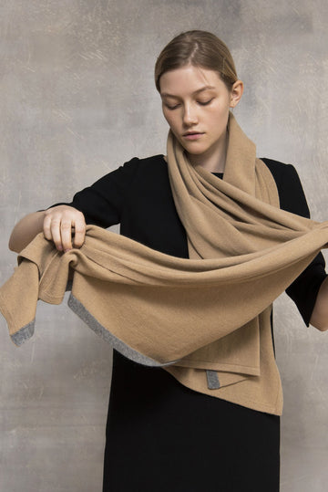 Cashmere Scarf in Camel