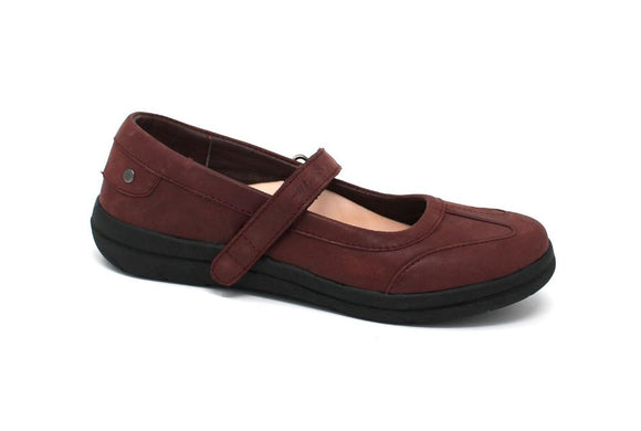 Mt. Emey 9320 Burgundy - Lady's Added-Depth Extreme-Light  Carol Shoes