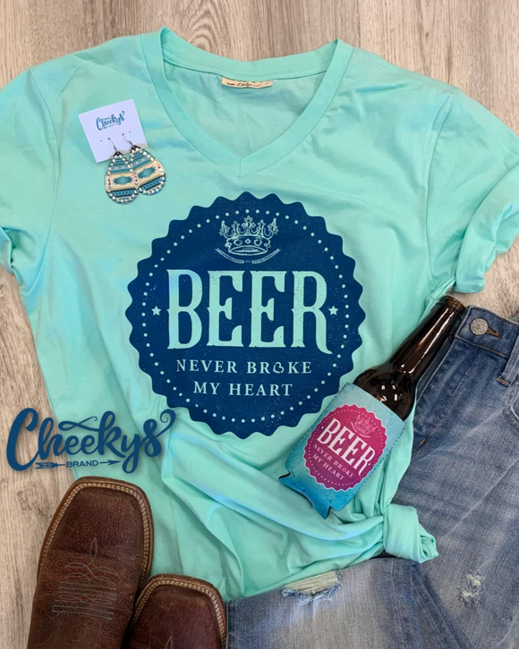 Beer Never Broke My Heart Can Cooler Cheekys