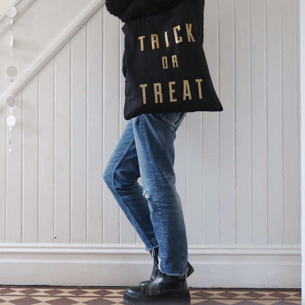 'trick or treat' tote bag
