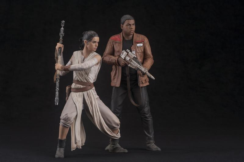 Rey and Finn 2-pack ARTFX+ Statues - Star Wars The Force Awakens