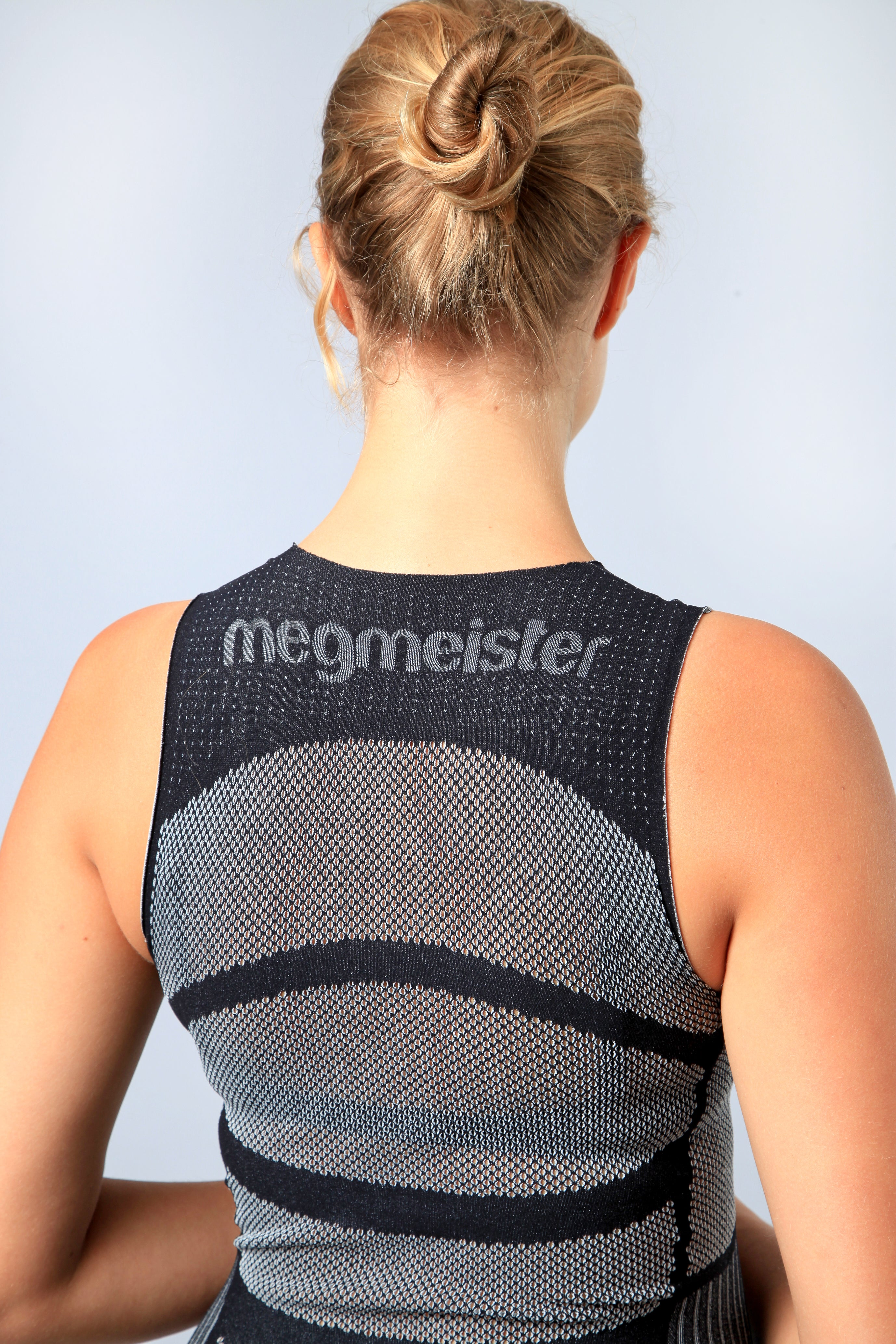 megmeister-womens-drynamo-cycle-sleeveless-base-layer-in-blue-mesh-back