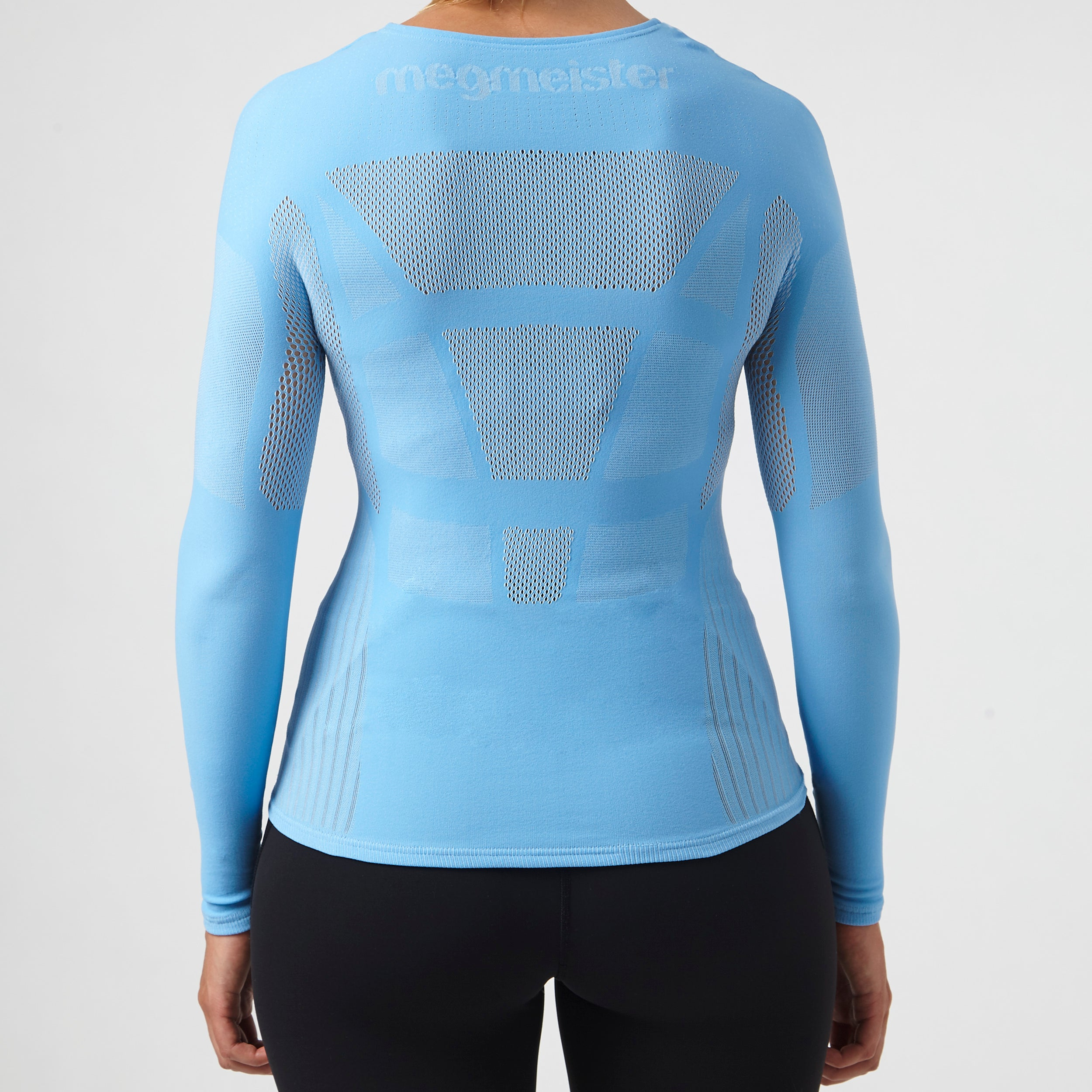 megmeister-womens-drynamo-cycle-long-sleeve-base-layer-in-light-blue-and-mesh-back
