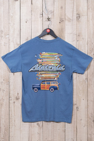 Got boards mens surf t-shirt from Rick Rietveld featuring surfboards, a woodie car in blue