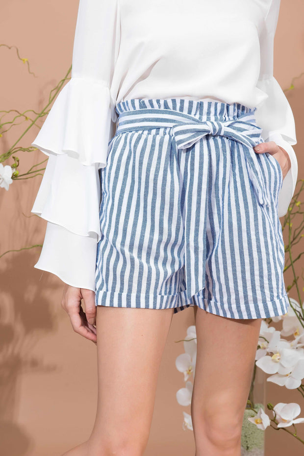 Facile Bow Short