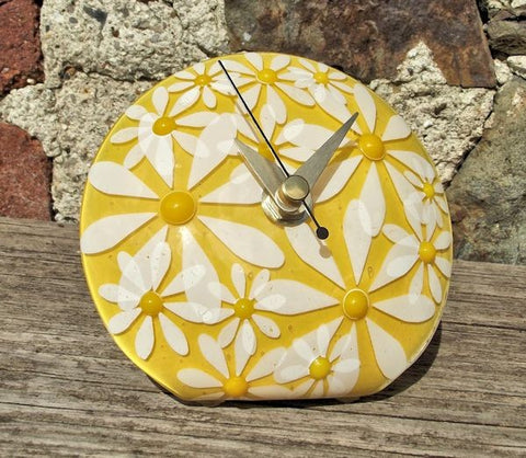 Daisy 'Q' Clock - Yellow